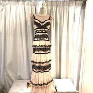 NWOT Long lace nude tiered dress